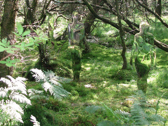 Скульптуры-призраки в шотландском лесу. Изображение № 8.