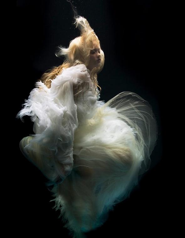 Подводная «художница» – Зена Холлоуэй. Изображение № 5.