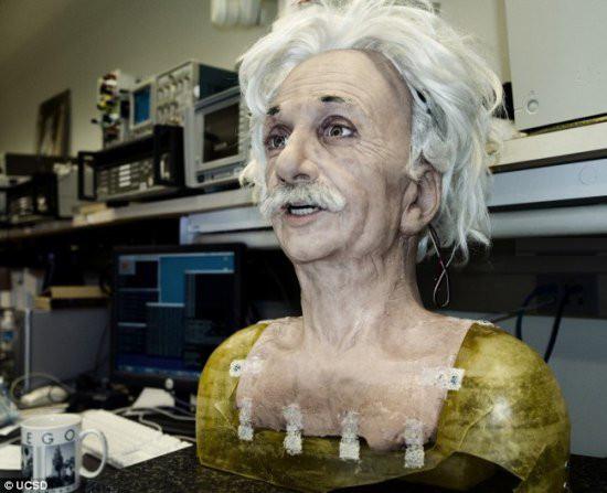 Робот оказался Энштейном. Изображение № 1.