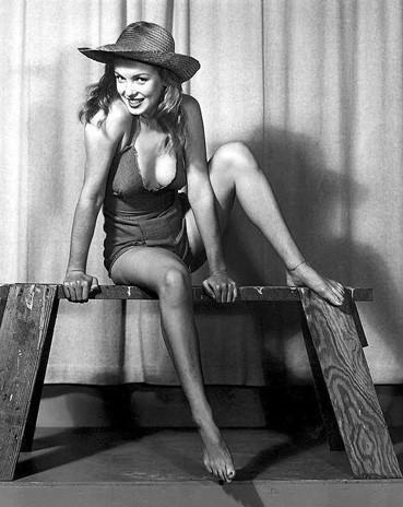 Изображение 22. Marilyn Monroe, pin-up girl.. Изображение № 31.