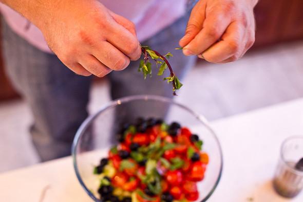 Овощное рагу, гаспачо, греческий салат: Настоящий осенний обед. Изображение № 44.