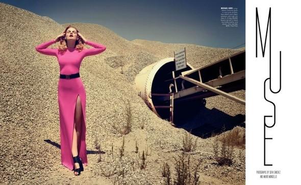 Съёмка: Жиневье ван Синус для Bergdorf Goodman. Изображение № 2.