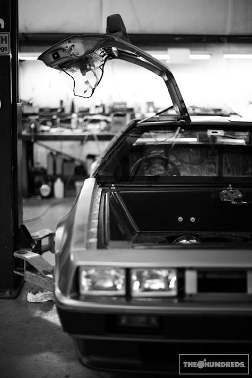 DeLorean. Автомобиль-легенда. Части 3 & 4. Изображение № 3.