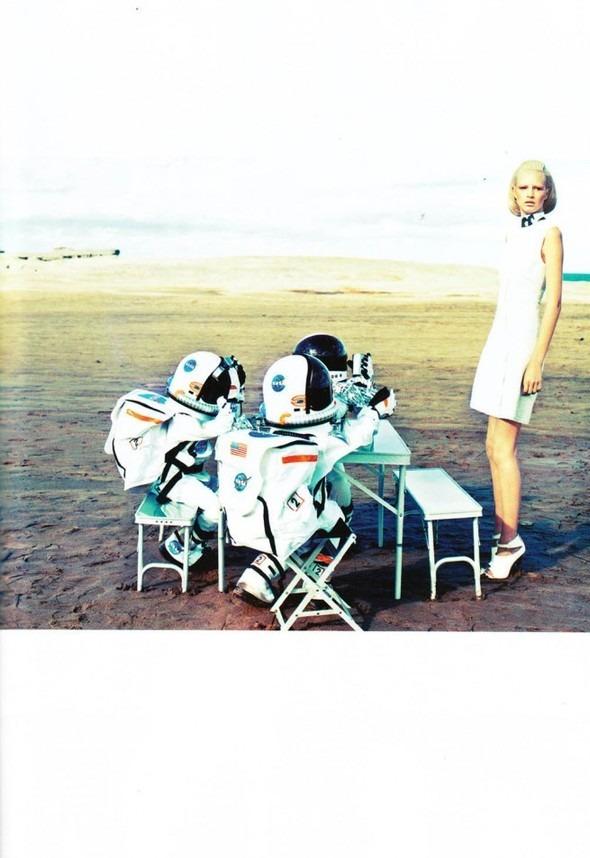 Космос рядом: модные съемки к выходу фильма «Прометей». Изображение №3.