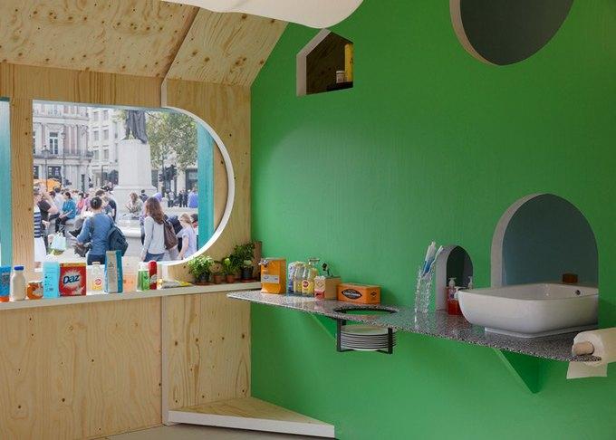 Дизайнеры создали инсталляцию для Airbnb на Трафальгарской площади. Изображение № 3.