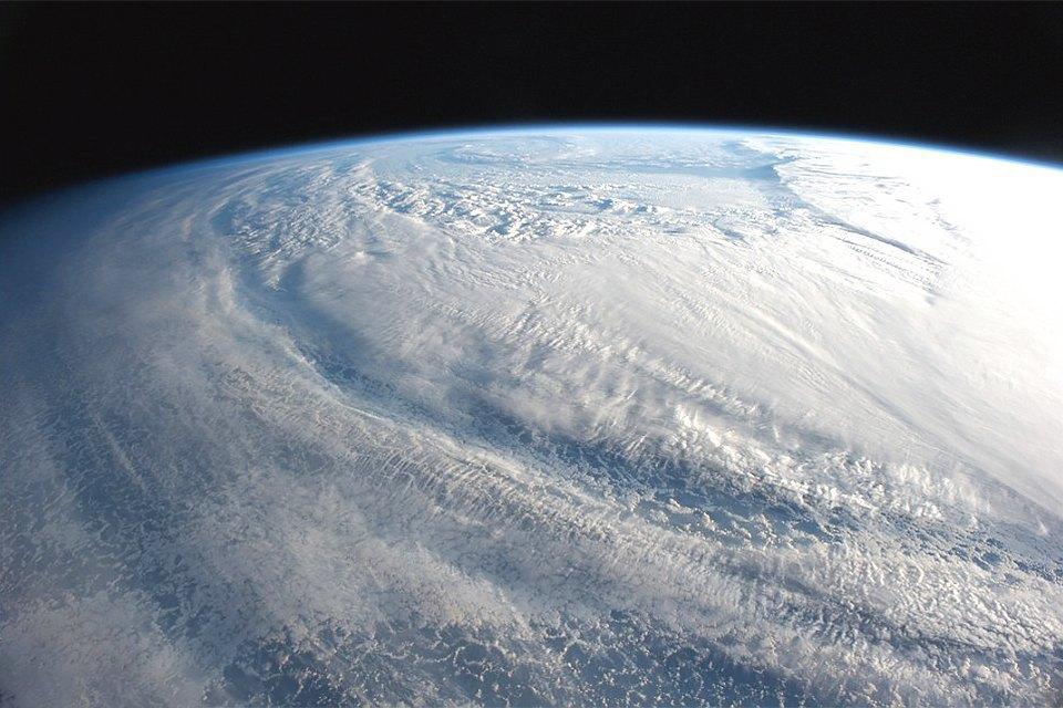 Облака из космоса: Какой видят Землю космонавты МКС. Изображение № 6.