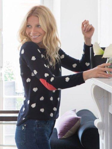Гвинет Пэлтроу создала мини-коллекцию дорогих свитеров. Изображение № 2.