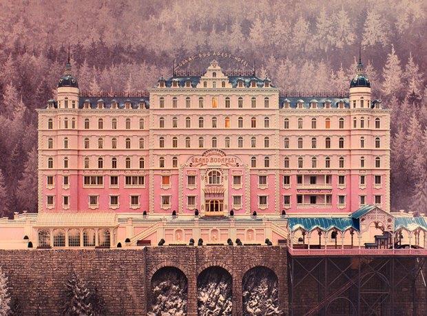 """Почему «Отель """"Гранд Будапешт""""» — любимый фильм всех дизайнеров. Изображение № 2."""