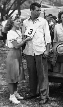 "Ширли Темпл и Кэри Грант на съёмках фильма ""Холостяк и девчонка"", 1947 год. Изображение № 3."