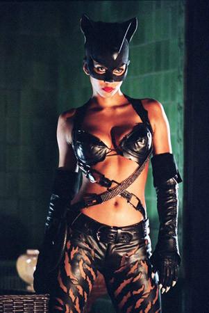 Кадр из фильма «Женщина-кошка» (2004). Изображение № 17.