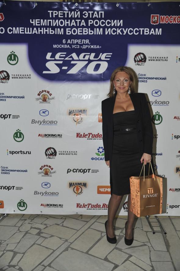Звезды поддержали спорт на третьем этапе чемпионата России по смешанны. Изображение № 13.