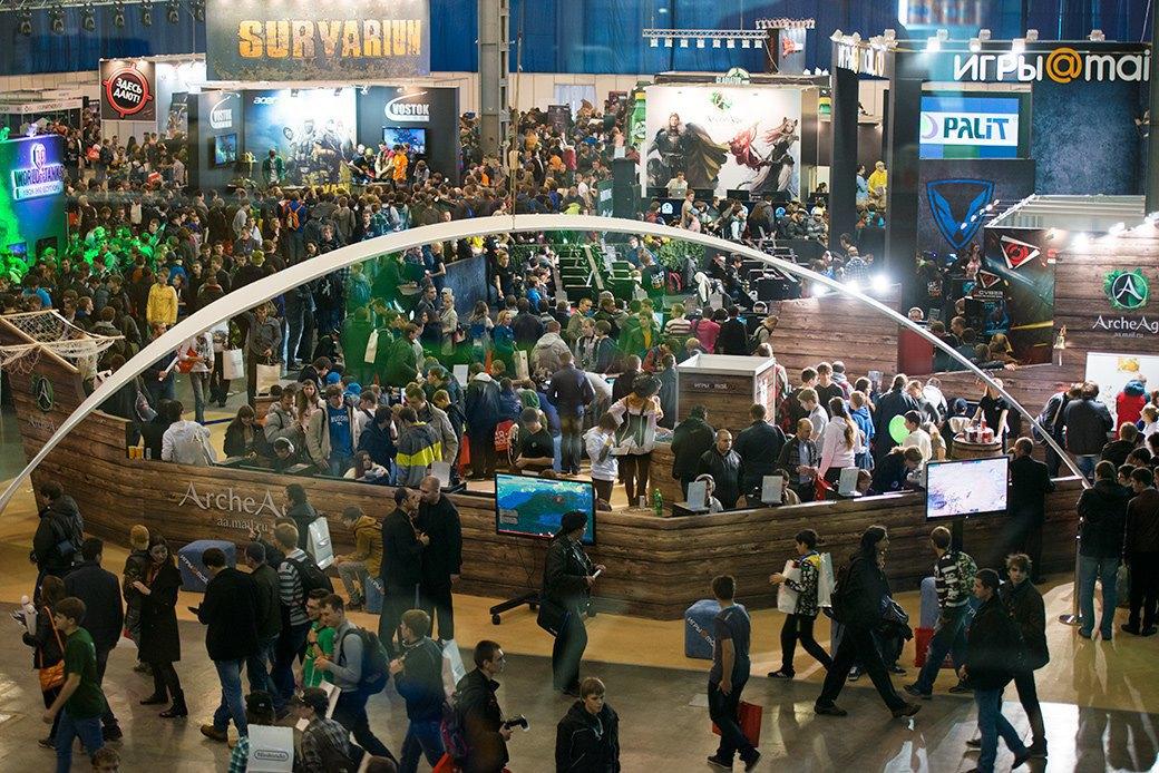 Косплей, киберспортсмены, PS4 и Xbox One на выставке «ИгроМир-2013». Изображение № 15.
