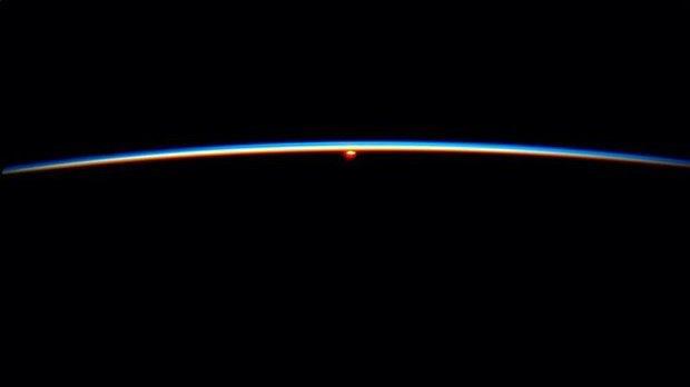 Снимок с МКС авторства космонавта Рейда Вайсмана. Изображение № 28.