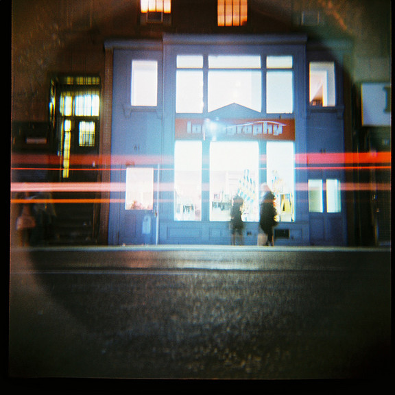 Галерея-магазин Ломографии вНью-Йорке. Изображение № 54.