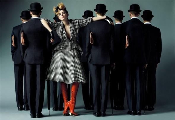 Английский патриотизм воктябрьском Vogue British. Изображение № 7.