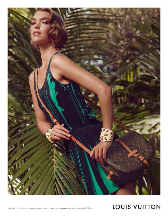 Кампания: Аризона Мьюз для Louis Vuitton. Изображение № 3.