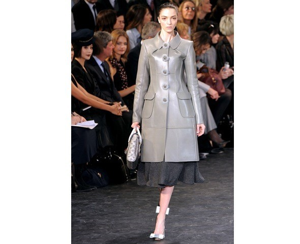Можно все: Модели на показе Louis Vuitton. Изображение № 20.