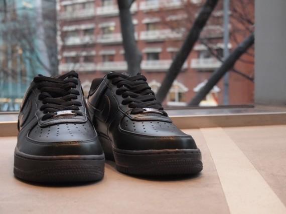 Nike Air Force 1 Low Premium 30th Anniversary – Black. Изображение № 3.
