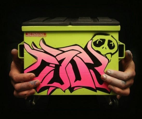 Настольные граффити-контейнеры для цветов и всякой всячины. Изображение № 12.