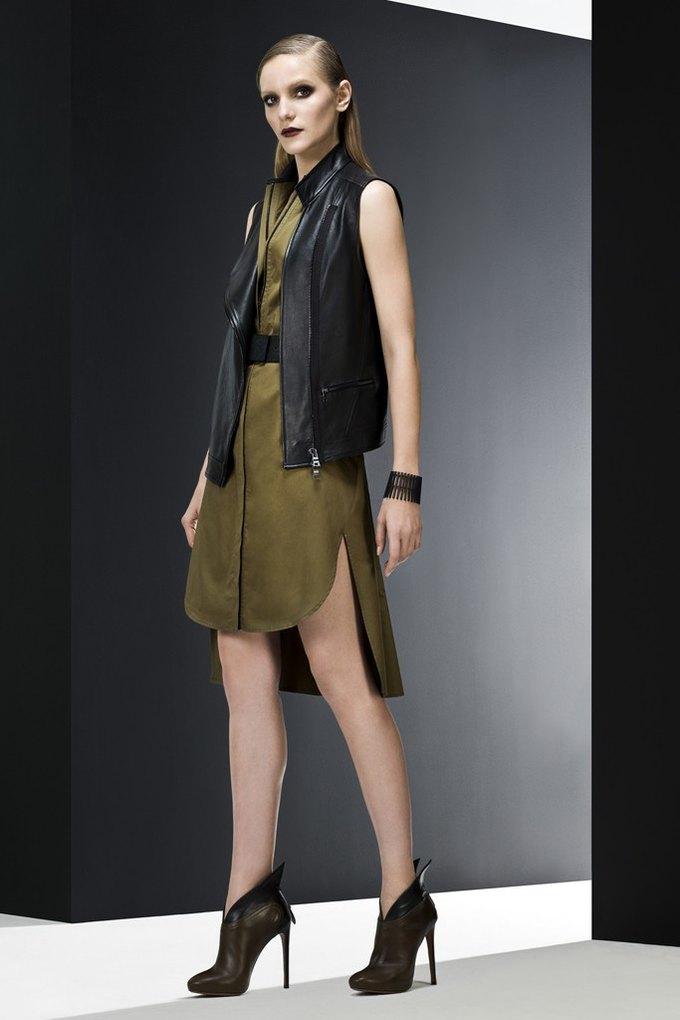 Versace, Louis Vuitton и Robert Rodriguez показали предосенние коллекции. Изображение № 12.