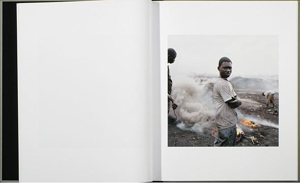12 альбомов фотографий непривычной Африки. Изображение № 79.