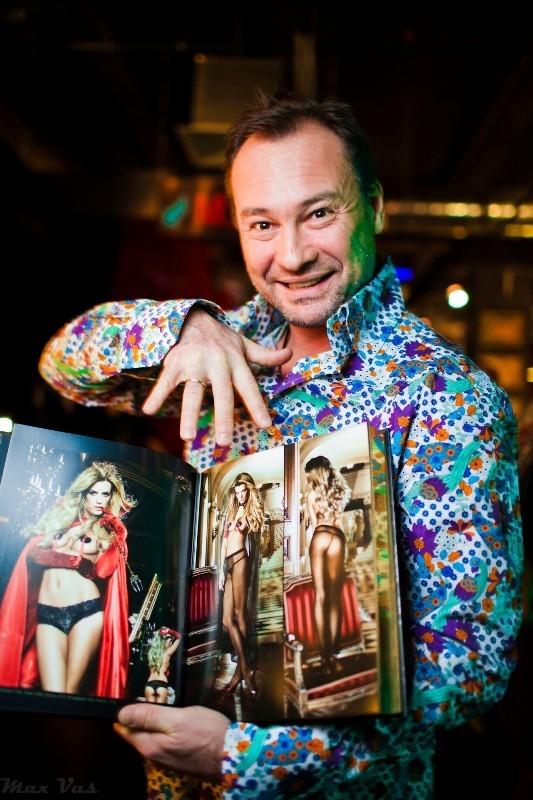 Звездам шоу-бизнеса показали, где находится «Точка G». Изображение № 10.