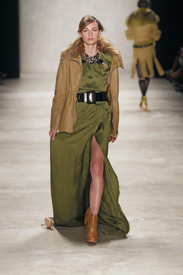 Berlin Fashion Week A/W 2012: Schumacher. Изображение № 52.