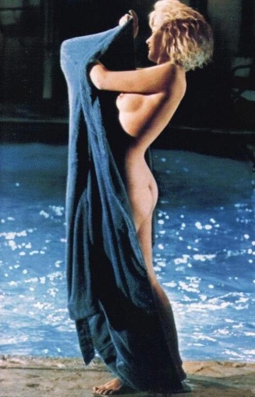 Неопубликованные снимки обнаженной Мерлин Монро за 3 месяца до смерти . Изображение № 6.