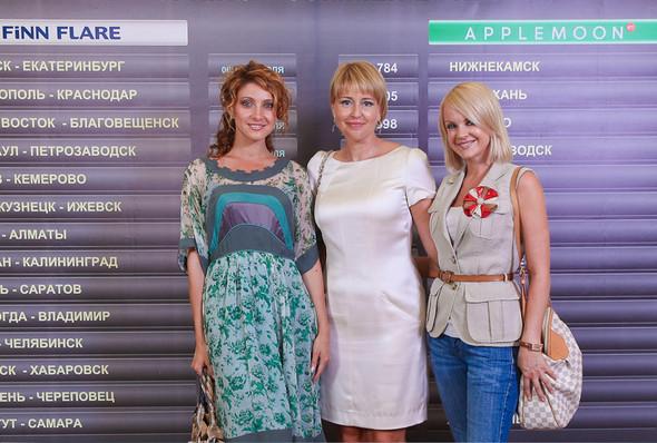 Показ коллекций AppleMoon и FiNN FLARE Весна/Лето 2012. Изображение № 1.