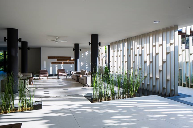 Архитектура дня: белый спа-центр во Вьетнаме с растениями на фасаде. Изображение № 16.