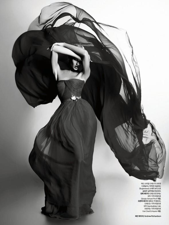 Съёмка: Карл Лагерфельд для Harper's Bazaar. Изображение № 2.