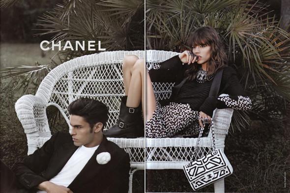 Изображение 2. Превью кампаний: Burberry, Chanel, Gucci и другие.. Изображение № 2.