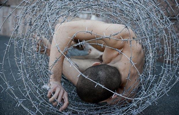 Как общество отреагировало на отрезанное ухо Павленского. Изображение № 5.