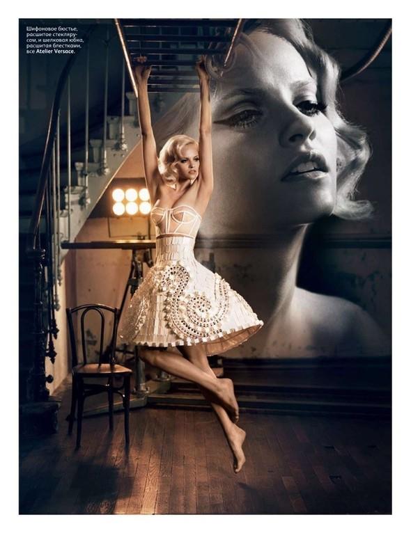 Съёмка: Гинта Лапина для российского Vogue. Изображение № 2.