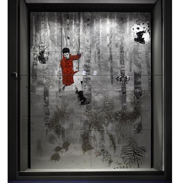 Три витрины магазинов, которые оформили современные художники и дизайнеры. Изображение № 20.