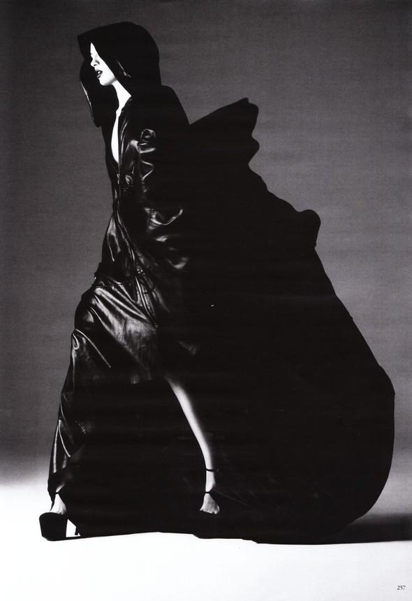 Съёмка: Карола Ремер для Vogue. Изображение № 14.