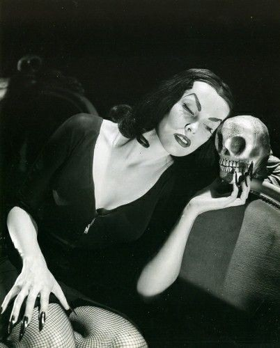 Ghoulish glamour. Изображение № 30.