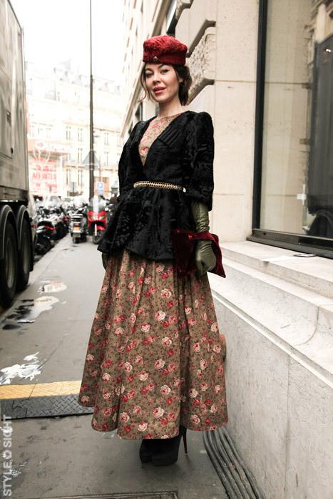 Фотографии Ульяны Сергеенко в стрит-фэшн блогах: на этой фотографии Ульяна одета в вещи из собственной коллекции. Изображение № 1.