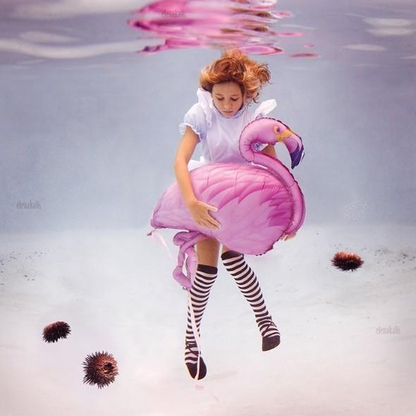 Alice in Waterland. Изображение № 9.