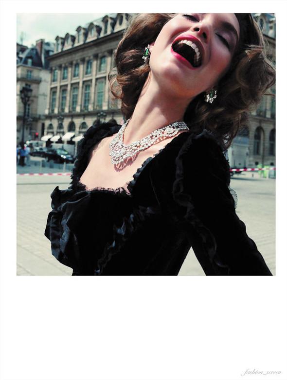 Съёмка: Аризона Мьюз для Vogue. Изображение № 9.
