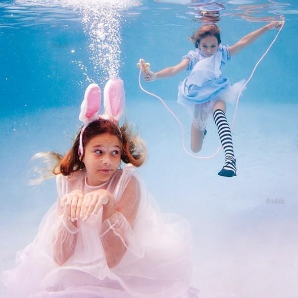 Alice in Waterland. Изображение № 13.