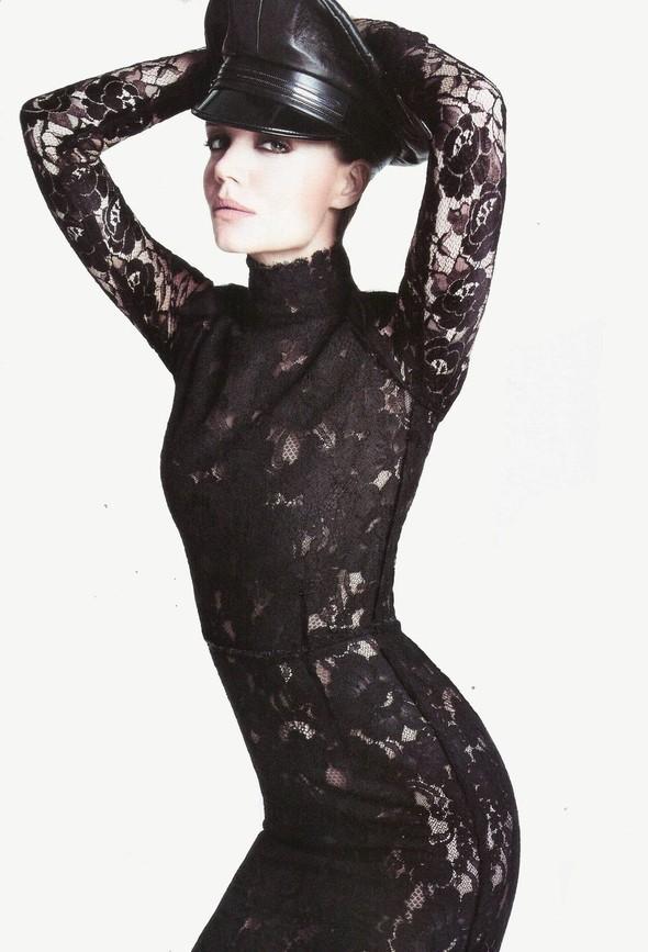 Съёмка: Кэти Холмс для Vogue. Изображение № 10.