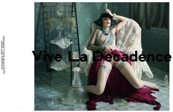 Съёмка: Vive La Decadence из Dazed & Confused. Изображение № 1.