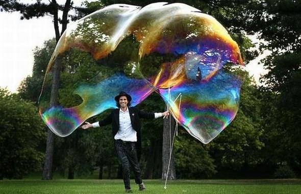 Самый большой вмире мыльный пузырь. Изображение № 7.