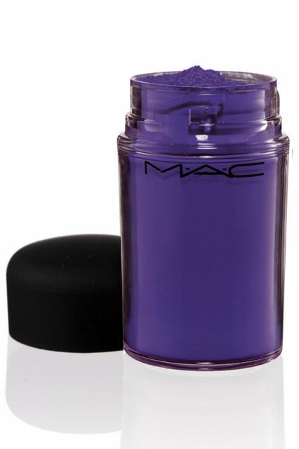 Лицом новой коллекции M.A.C стала фотограф Синди Шерман. Изображение № 32.
