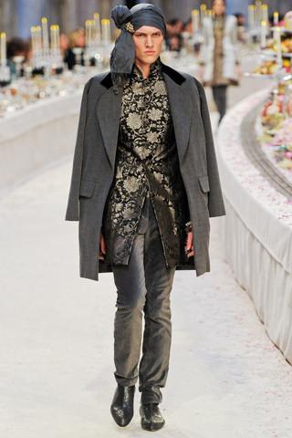 Chanel показали пре-осеннюю коллекцию. Изображение № 50.