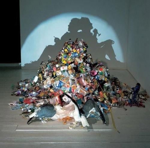 Картины из мусора. Изображение № 16.