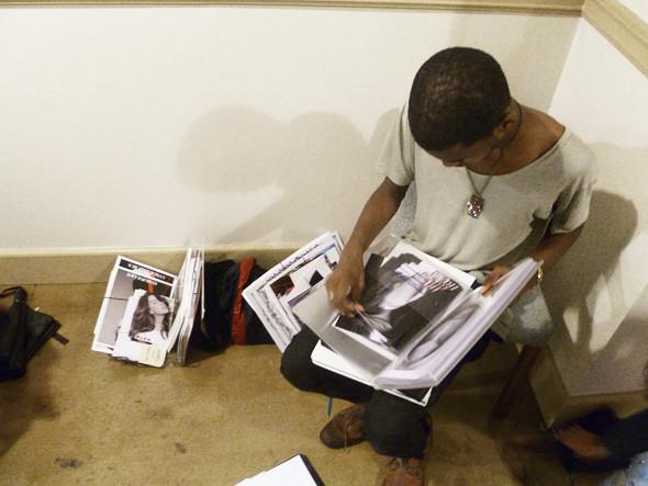 Дневник модели: Разговор с новым лицом Prada, съёмка и снова «Старбакс». Изображение № 13.