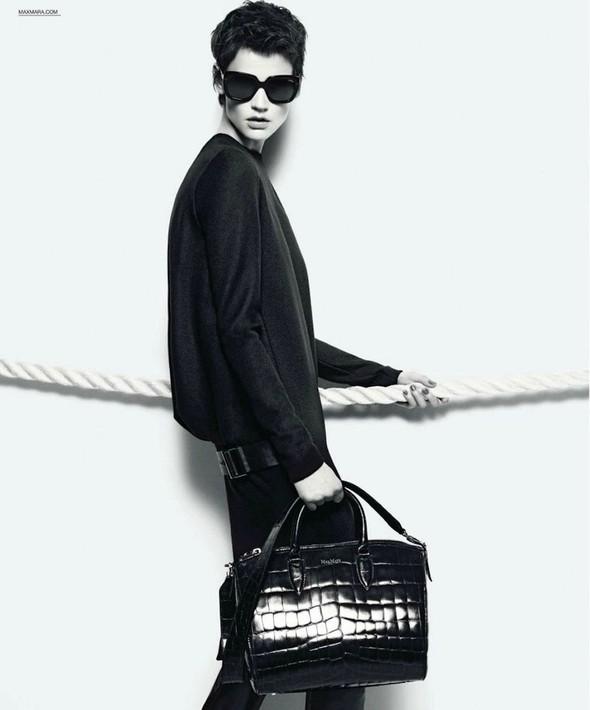 Превью кампаний: Balenciaga, Nina Ricci, Valentino и другие. Изображение № 4.