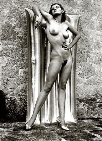 Части тела: Обнаженные женщины на фотографиях 70х-80х годов. Изображение № 3.